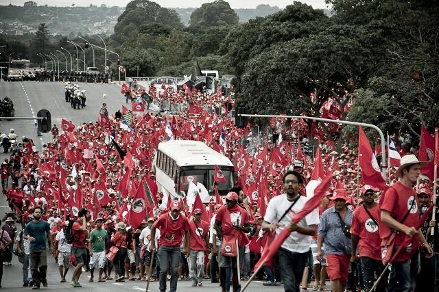 Tevgera Karkerên Bêerd a Brezîlyayê têkoşîn û hêviyê dike global