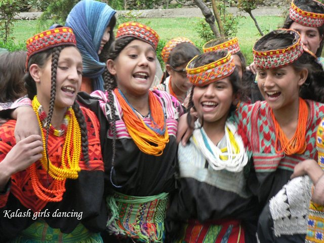 kalash-girls2