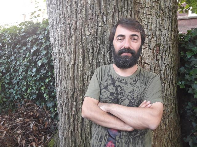 Kurdish translator Kawa Nemir vows to keep Kurdish publishing going from Amsterdam