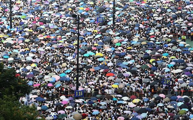 Li Hong Kongê meşa mezin a ji bo demokrasiyê